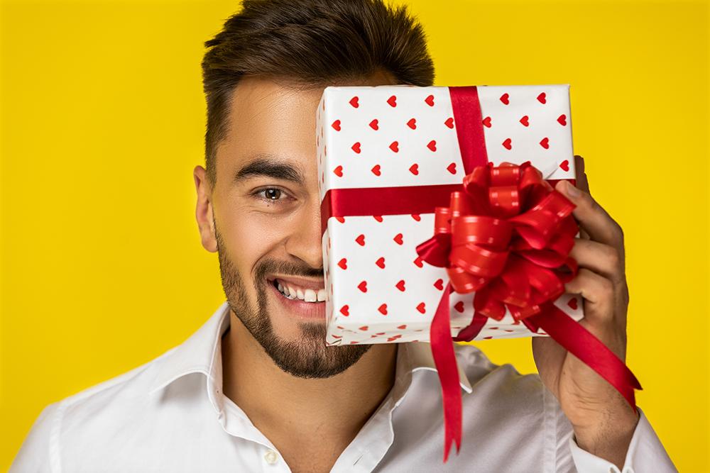 Подарки до 1000 рублей мужчине